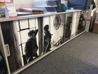 08 - Folierung Digitaldruck Kühlschrank und Sideboards